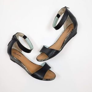 Seychelles Sometimes Sandals Black Size 8.5